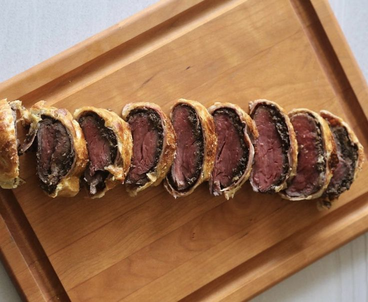 One of my first few foodie experiences was eating at Gordon Ramsay's STEAK restaurant in Las Vegas back in 2012. He is famous for his Beef Wellington, served medium rare with some mashed potatoes. It was delicious! I wanted to remake it and on our firstattempt, using the oven, it was completely brown inside. FAIL! But Anova saves theday!Total success and no guessing gameanymore. This once intimidating recipe is deadsimplewith Anova.
