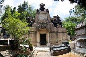 MAUSOLÉU DA FAMÍLIA MATARAZZO – Obra de arte de 1925 em homenagem à uma das mais tradicionais famílias de São Paulo, encontra-se no Cemitério da Consolação, um museu de arte tumular.