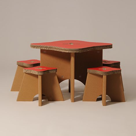 #Write - #school #desk - The four stools and rounded table set is perfect to spend an amusing time giggling and playing with friends. Customizable with the color scale of Eco & You. - #children - http://eco-and-you.com/en/shop/write/