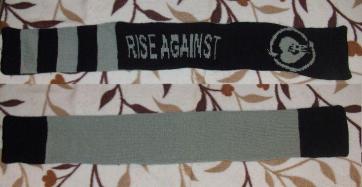 """""""Rise Against"""" kötött sál"""