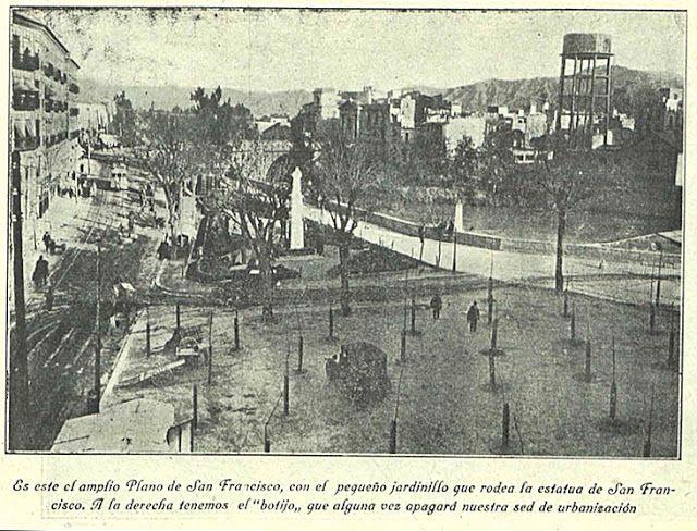 ¡Ay, Murcia! Plano San Francisco, con la estatua del santo todavía en pie, antes de la II Reúpblica. Imagen: 'Levante Agrario' (8/09/1928)