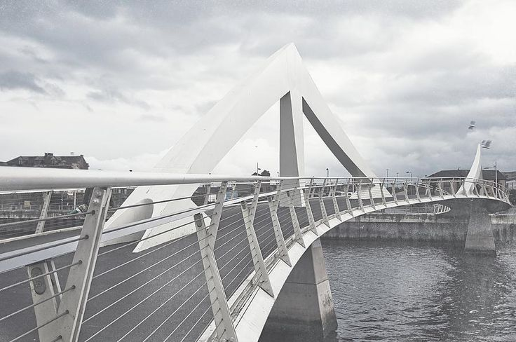Glasgow Squiggly Bridge. Vintage Collection by Jenny Rainbow