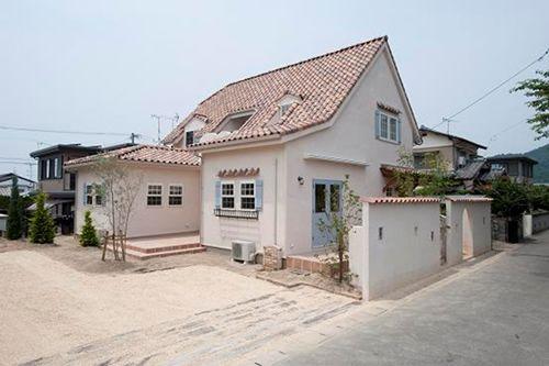 個性的な大屋根の本格プロヴァンス住宅|福岡不動産購入情報館 | 一戸建て 売買