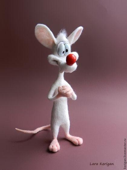 Купить или заказать лабораторные мыши Пинки и Брейн в интернет-магазине на Ярмарке Мастеров. — Эй Брэйн, чем мы будем заниматься сегодня вечером? — Тем же, чем и всегда, Пинки, попробуем завоевать мир. по мотивам мультфильма 'Пинки и Брейн' возможна продажа по…