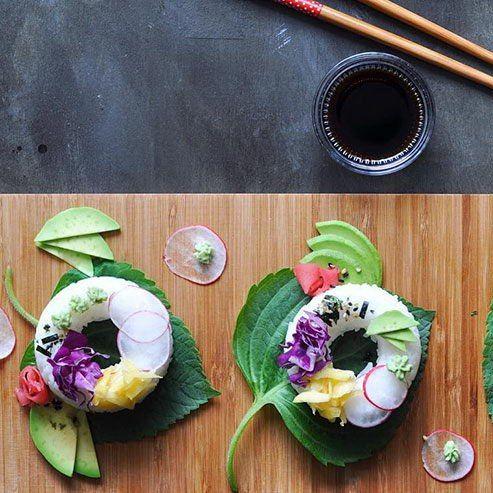 Для сторонников здоровой еды, которые с трудом переносят отвыкание от вкусных плюшек, создали новый тренд – пончик-суши. #здоровье и #доброеутро от #mypositivestyles #myps