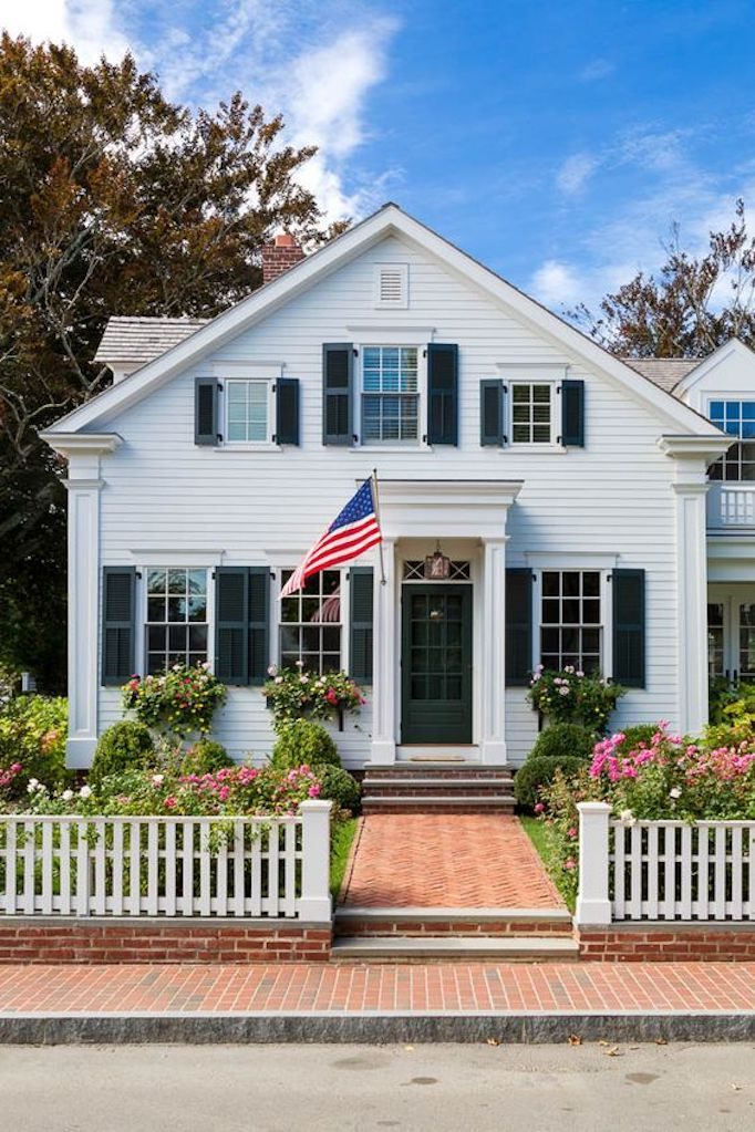 BECKI OWENS- Patriotic Exteriors for the 4th of July