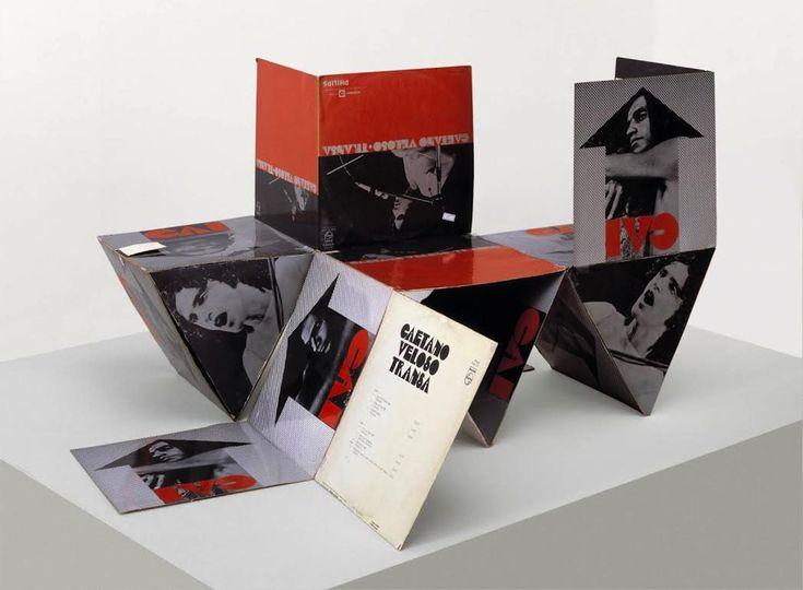 "Capa do vinil Transa, Caetano Veloso. O formato ""discobjeto"" concebido por Álvaro Guimarães"