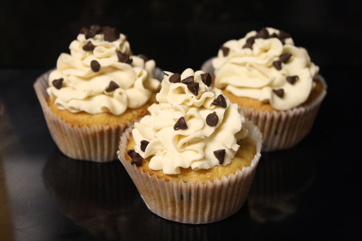 For when i'm back from Miami!      Chocolate Chip Cookie Dough Cupcakes … Oh. My. Goodness.