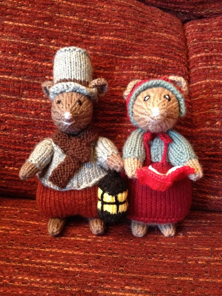Dickensian christmas mice (Alan dart pattern)