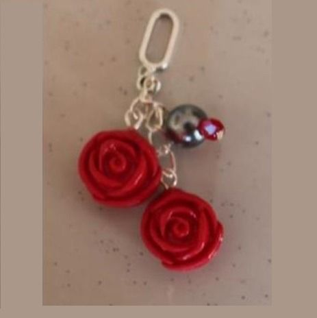 Pendentif 2 roses rouges, kit-ludi interchangeable : Pendentif par ludifimo