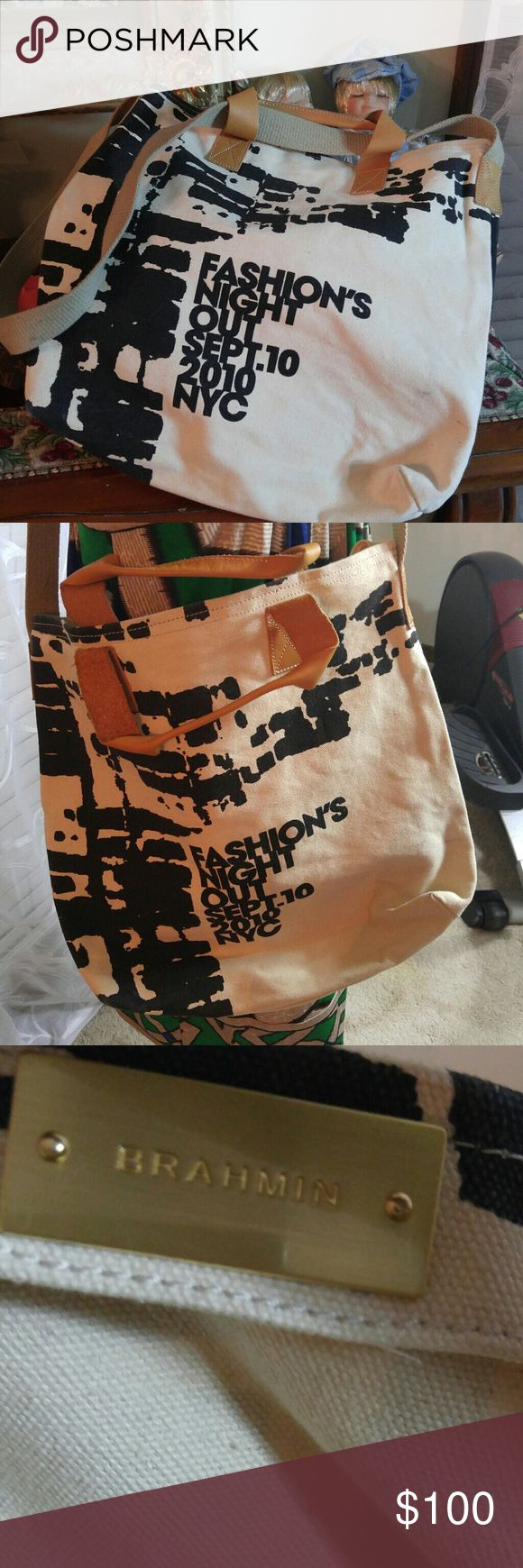 BRAHMIN Canvas Large Crossbody bag Authentic in very good condition. Canvas and leather. Brahmin Bags Crossbody Bags