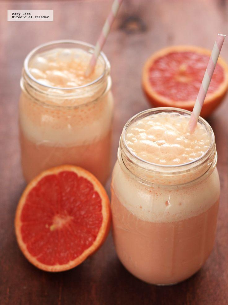 Receta de smoothie de toronja y piña. Con fotografías paso a paso, consejos y sugerencias de degustación. Recetas de smoothies