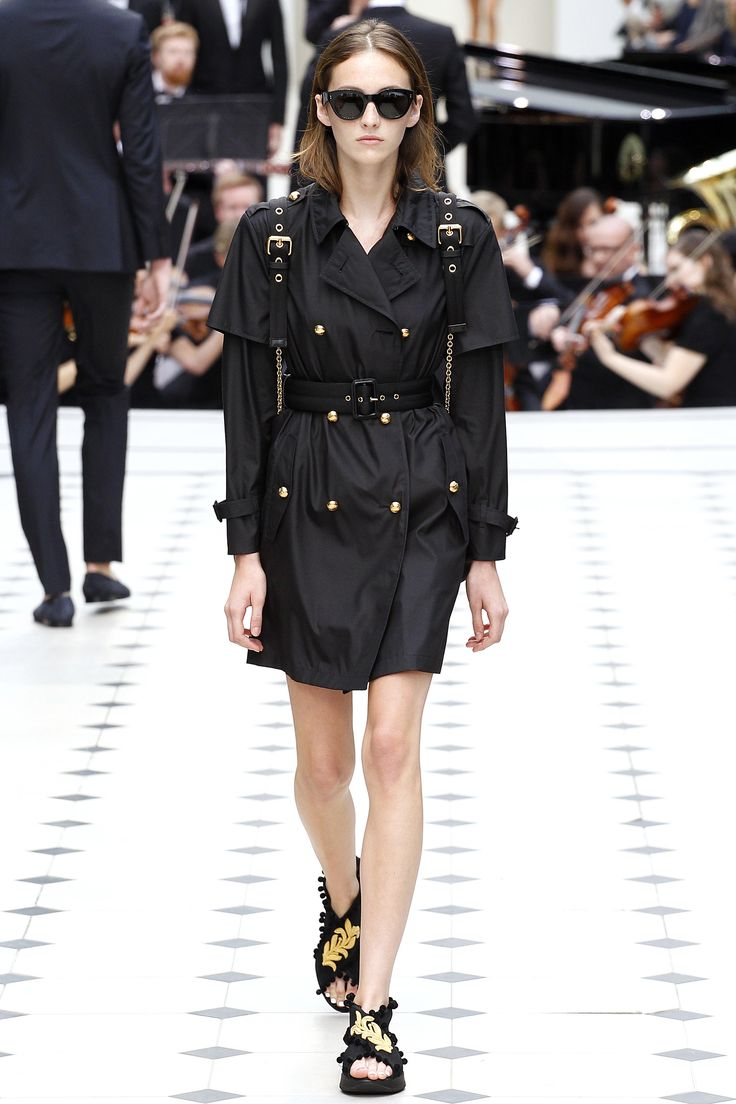 Burberry Spring 2016 Ready-to-Wear Fashion Show