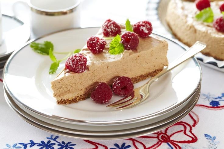 Den diggeste ostekake med melkesjokolade. Perfekt for sjokoholikere og kakemonser!