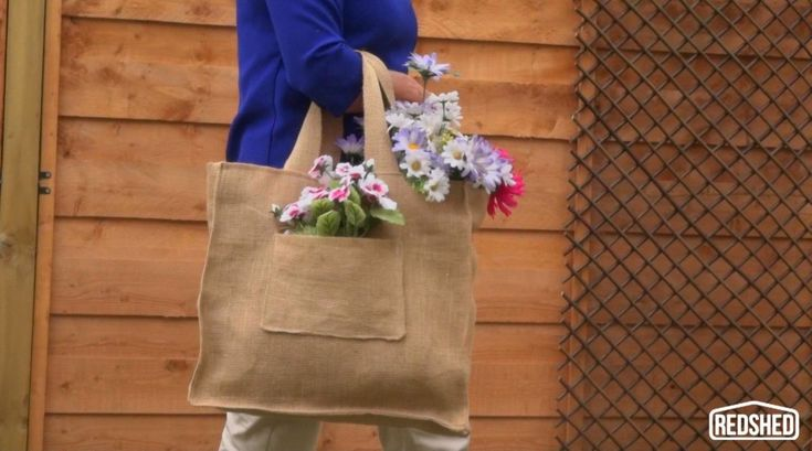 Best 25 hessian bags ideas on pinterest wedding favour for How to make hessian flowers