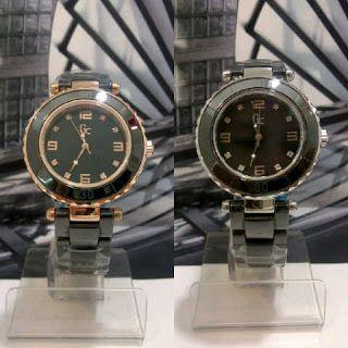 Jam Tangan Guess Collection Keramik Black Harga : Rp 410.000,-  Spesifikasi : Tipe : jam tangan wanita Kualitas : kw super Diameter : 3,5cm Tali : rantai keramik  Pemesanan hubungi :  SMS 081929271117 Pin BB 270C3124