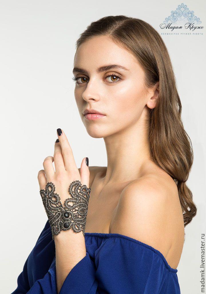 Купить Кружевной браслет-манжет «Нефертити» Вологодское коклюшечное кружево - вологодское кружево