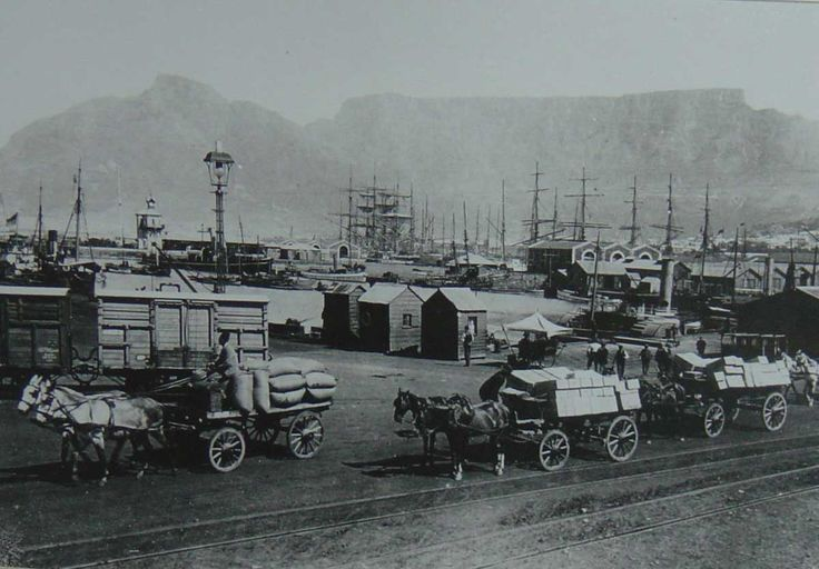 Cape Town - Waterfront with the Table Mountain at the background (year unknown)