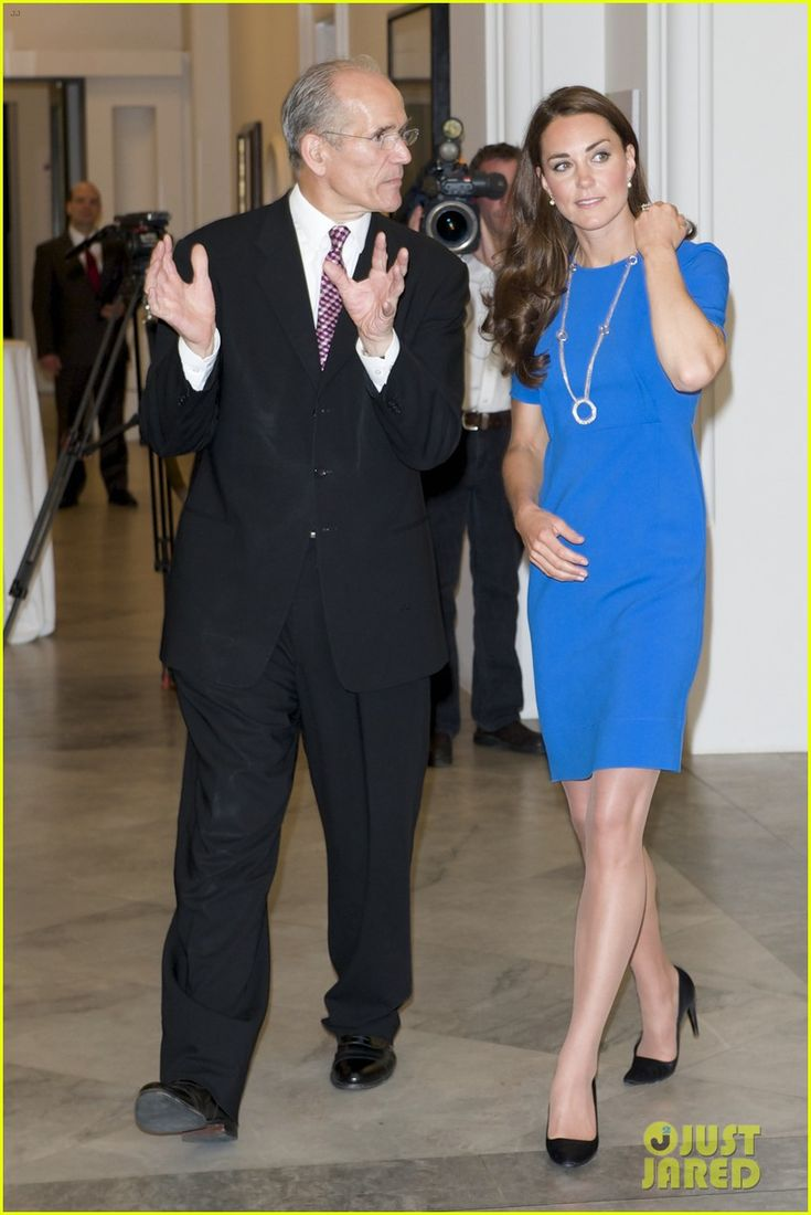 Duchess Kate. Stella McCartney dress. Prada heels. | The ...