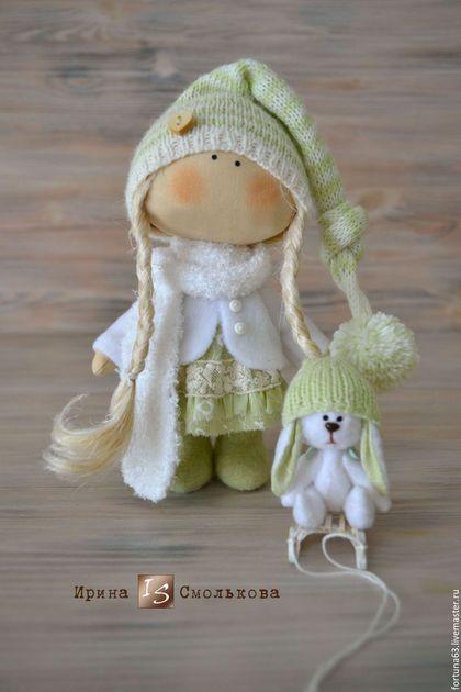 Cute fabric doll / Коллекционные куклы ручной работы. Ярмарка Мастеров - ручная работа. Купить текстильная куколка Зойка с Зайкой. Handmade. Салатовый, санки