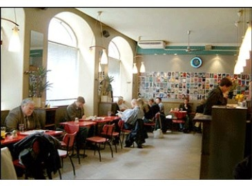 Café Bar 9