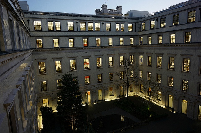 HM Treasury, the evening before Budget 2012 by John Pavel, via Flickr