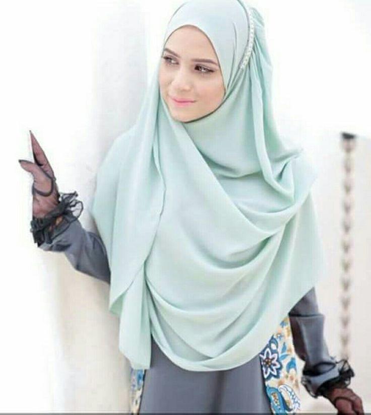 Soft colour hijab @by_ummihumaira