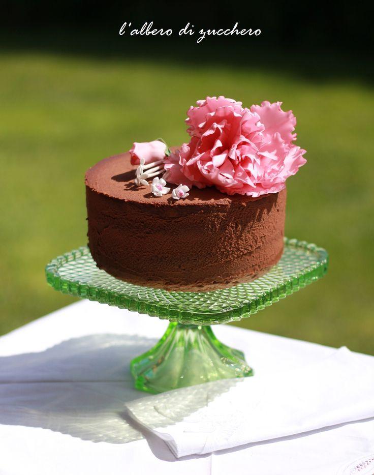 Pink peony and chocolate cake