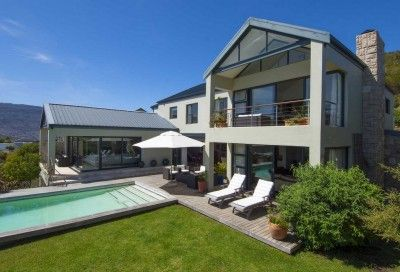 Western Cape, Southern Peninsula, Stonehaven Estate property. 3 Bedroom House for Sale in Stonehaven Decadent entertainers dream in Stonehaven Estate