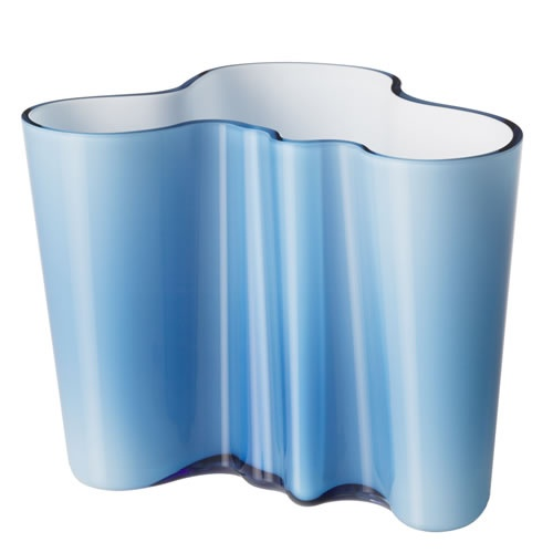 Ittala Alvar Aalto SAVOY Vase, bought my first one in Vienna..got broken in Hong Kong..glad I was able to buy one in Helsinki ....