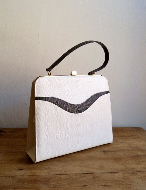 Vintage 60s Mod Framed Nautical Purse in White and Navy