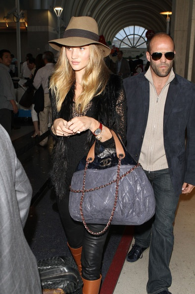 Jason Statham Photo - Jason Statham & Rosie Huntington-Whiteley Catching A Flight At LAX