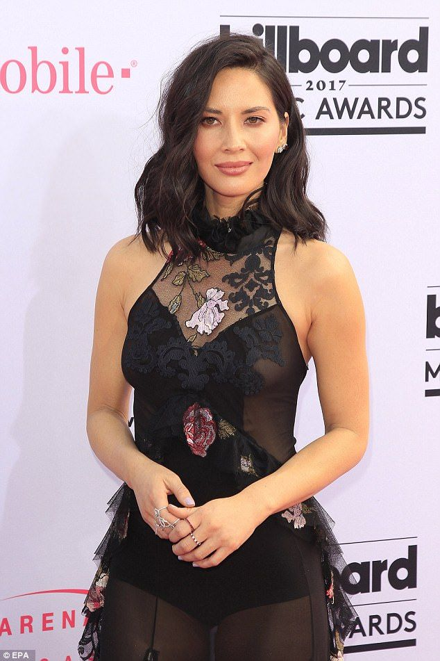 Hot stuff! The newly single actress wasn't afraid to strut here stuff with the flirty bikini pic. Above the brunette beauty flaunts her figure at the Billboard Music Awards May 21