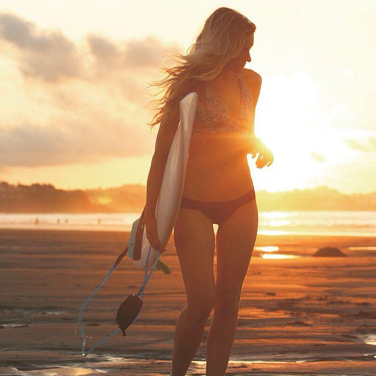 Sunset at Taranaki beach