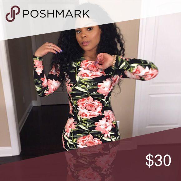 Knee length floral bodycon dress Knee length floral bodycon dress with great stretch. Medium weight, back zipper. Size M (US 6-8). Worn once. H&M Dresses Midi
