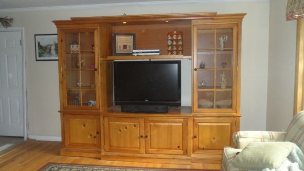 Stanley Furniture Entertainment Wall Unit On Craigslist