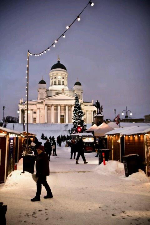 Shopping at St.Thomas Christmas Market,Helsinki...