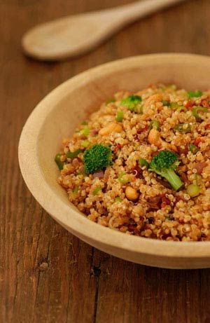 Zesty Quinoa with Broccoli and Cashews