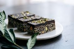 almond, pistachio, quinoa dark chocolate bars