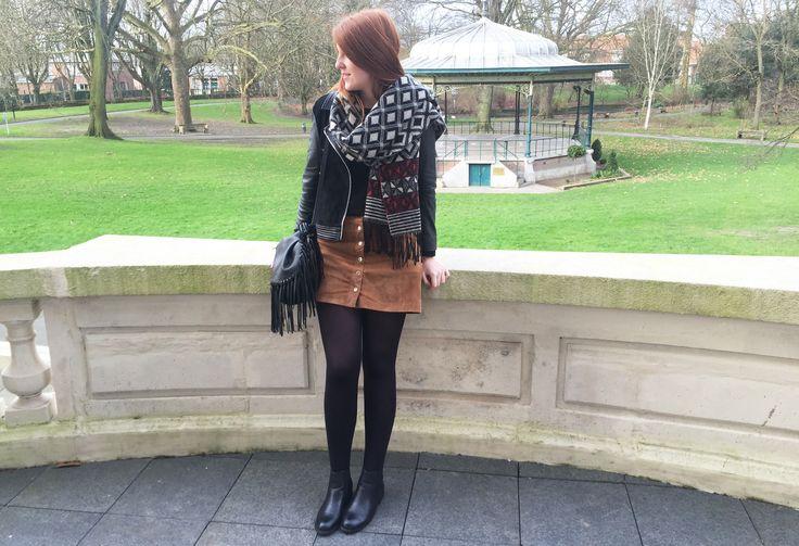 Echarpe @Camaïeu  Perfecto @Mango Jupe suédine @Pimkie  Echarpe @Camaieu Boots @Primark Sac @Mango http://Pau-K.blogspot.fr #blog #look #ootd #outfit #winter #ginger #suédine #skirt #jupe #perfecto #cuir