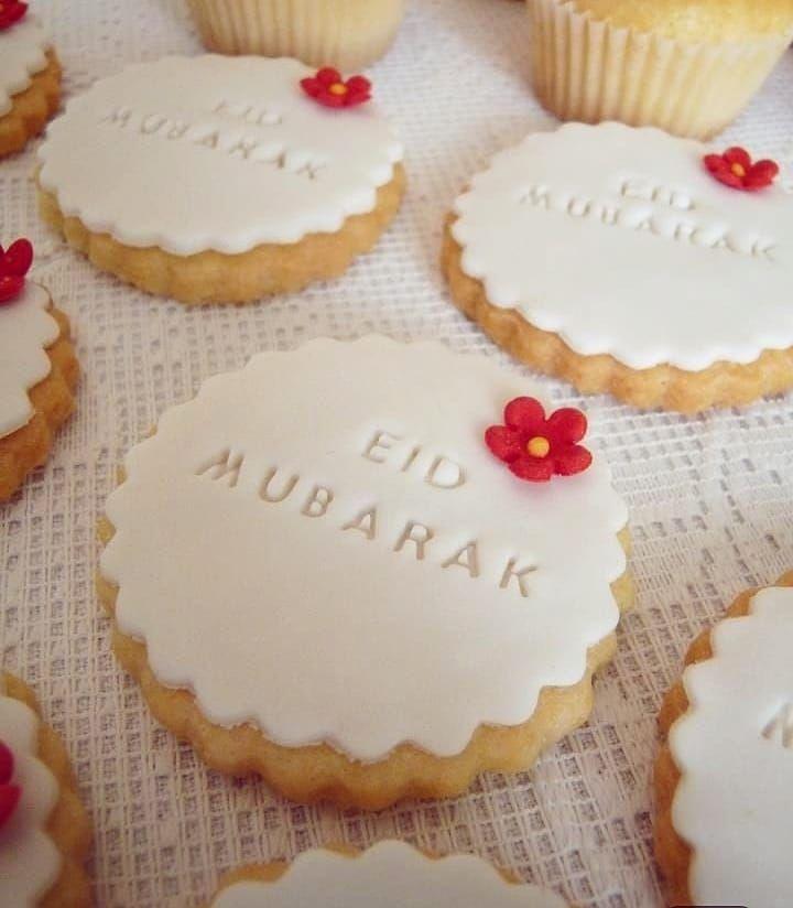 حلويات الفج تتمنى لكم عيد مبارك اعاده الله علينا وعليكم بالخير واليمن والبركات Aid Aid2019 Aidmubarak Cuisinealgerie Eid Cake Eid Food Eid