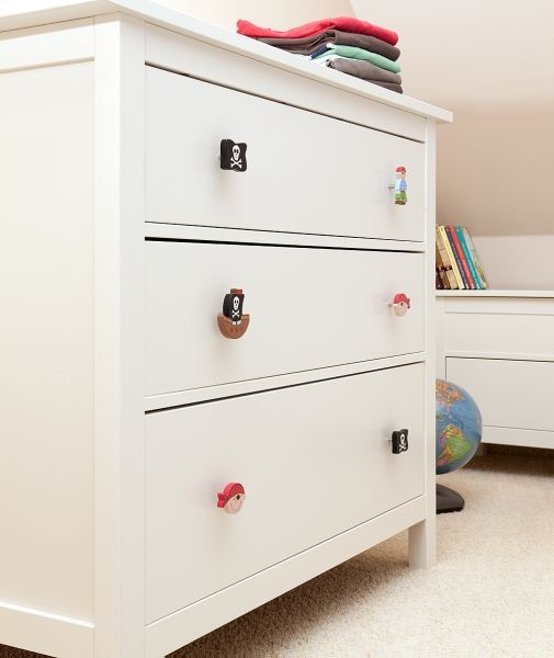 mommo design ikea hacks for kids pirate knobs for hemnes kids furniture and details. Black Bedroom Furniture Sets. Home Design Ideas