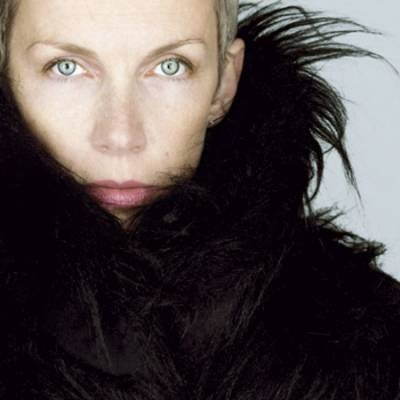 Annie Lennox: Born December, Favorite Singers, Beautiful Annie, Annie Lennox, Natural Beautiful, Music Videos, Beautiful People, Gorgeous People, Music News