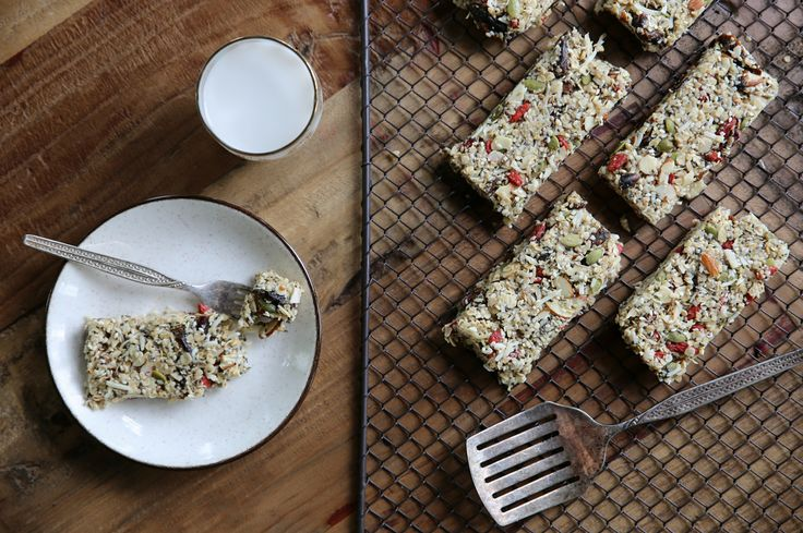This raw nut and seed slice is the perfect combination of salty sweet, and has a fantastic crunchy texture. Packed full of wholesome ingredients, this slice will keep you feeling satisfied for hours making it the perfect mid-morning or afternoon snack.