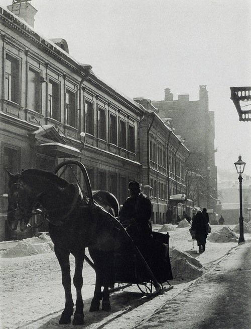 Cabman, Moscow, 1926 by Alexander Rodchenko