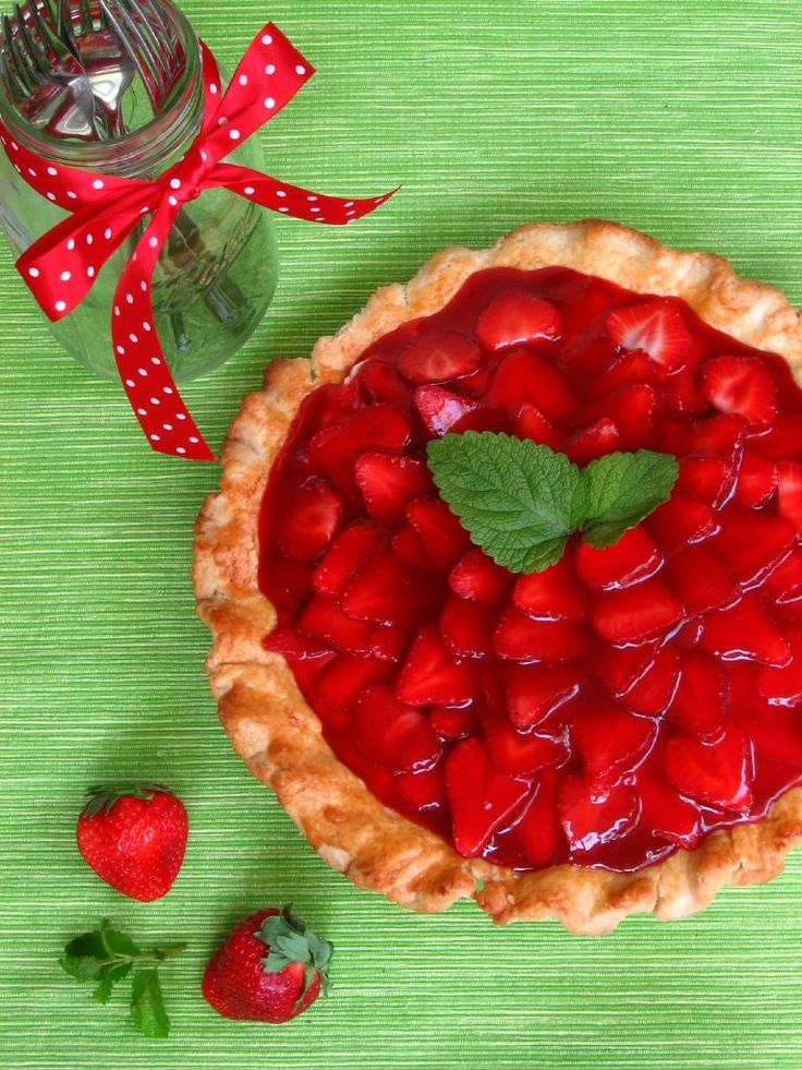 Recipe:     Strawberry Cream Pie