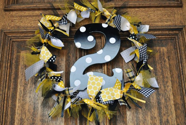 Bumble Bee Birthday Party Ideas: Birthday Parties, Bumblebee, 1St Birthday, Bumble Bees, Party Ideas, Birthday Party, Bee Birthday, Birthday Ideas