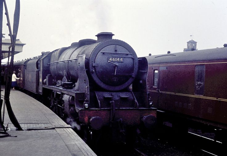 "https://flic.kr/p/oaugL7 | LMS Stanier rebuild of the Fowler ""Royal Scot"" Class 4-6-0 No. 46144 'HONOURABLE ARTILLERY COMPANY'. 