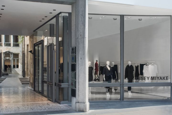 Issey Miyake Store, Antwerp – Belgium » Retail Design Blog