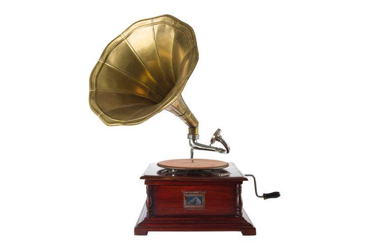 Grammofono vintage. Preludio Noleggio, allestimenti e arredi vintage per eventi e matrimoni, novità 2016/2017, wedding inspiration.